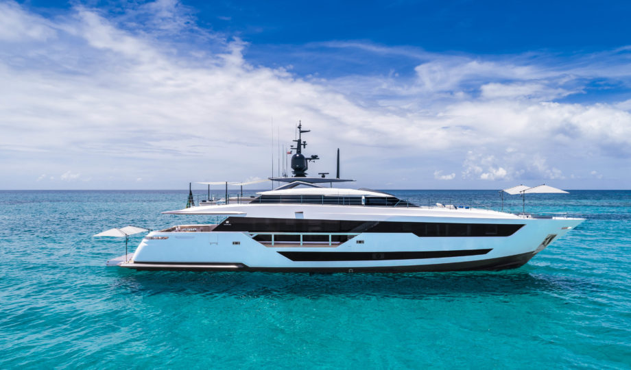 Custom Line 120', the new planing yacht from Ferreti Group